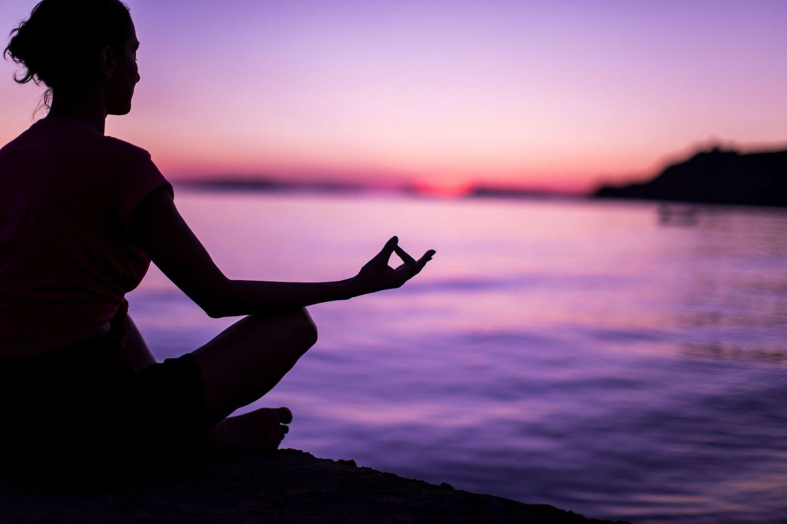 Invata sa meditezi in cativa pasi simpli